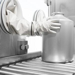 Aisladores para muestreo, pesaje y preparación distribuidos por Netsteril