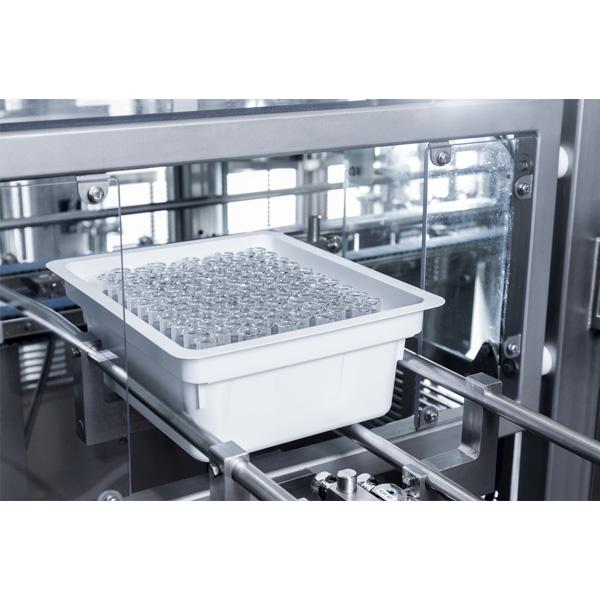 Máquinas robotizadas de llenado aséptico para frascos anidados distribuidos por Netsteril: Steriline-Robotic-Nest-Filling-Line-848