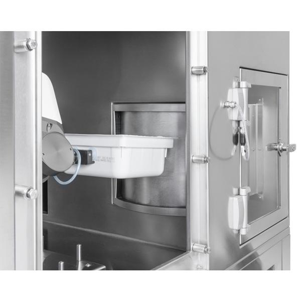 Sistema robotizado de descontaminación de tinas con frascos anidados steriline-Pulsed-Light-Sterilizer-649