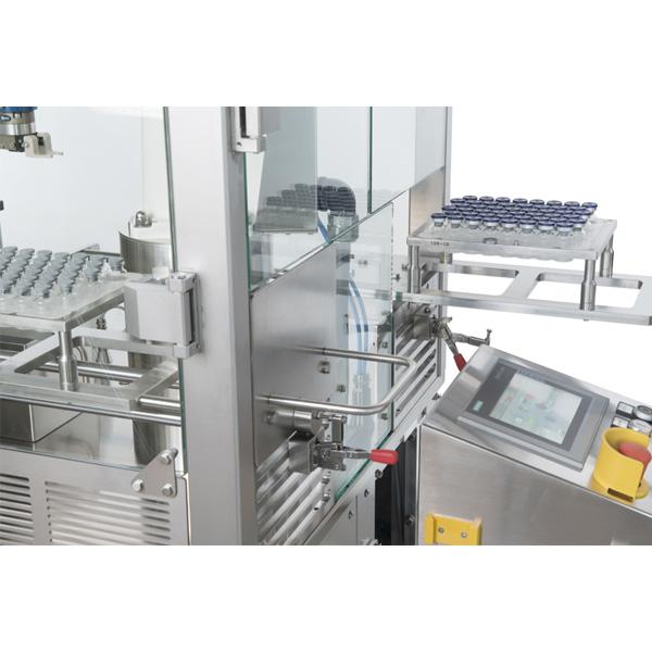 Máquinas robotizadas de capsulado de viales distribuidas por Netsteril: Steriline-0943-RVCM