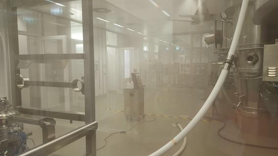 Imagen de un generador de VH2O2 portatil de Solidfog para la desinfección de superficies por vía aérea