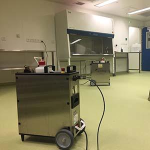 Equipo portátil de generación VH2O2 para salas o recintos pequeños Soldifog distribuido por Netsteril